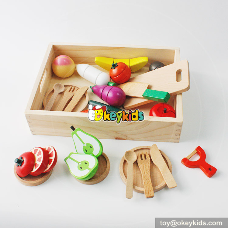 cutting food toy