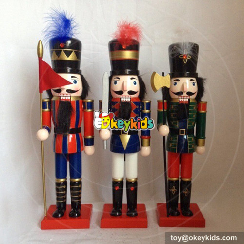 Wholesale most popular wooden nutcracker statues toy for store decoration W02A081