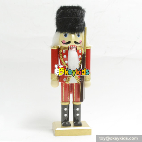 Wholesale hottest sale professional toddler wooden crafts nutcracker W02A200