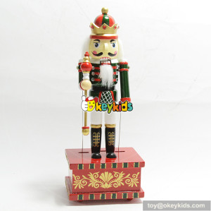Best gift professional christmas wooden decorative nutcracker soldier W02A212