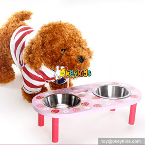most popular pink strawberry pattern wooden pet feeder for sale W06F014