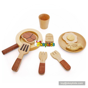 natural wooden play pots and pans W10B179