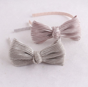 Nicest fashion girls silver metallic plicated bow hair band uk