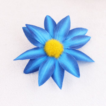 Fake blue child daisy hair clip flower headpiece for long hair