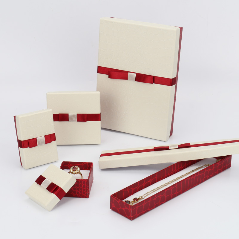 Luxury paper cardboard jewelry packaging box with ribbonjewelry box