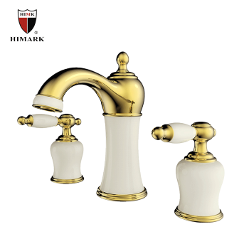 Widespread gold bathroom lavatory faucet with 3 holes