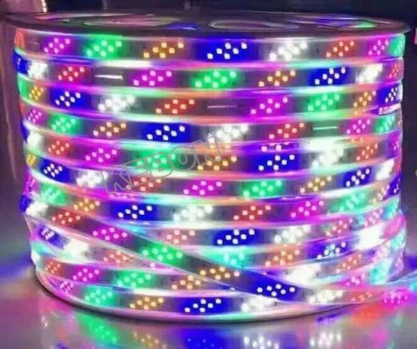 Красочные для праздничных светодиодных гибких полос SMD2835 144leds / m с CE, RoHS Сертификаты