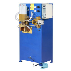Air conditioiner/refrigerator al-cu connector butting welding machine