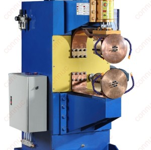 Truck oil tank horizontal resistance seam welding machine