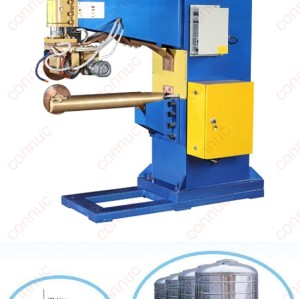 Vertical rolling seam welder for stainless steel water tank body