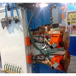 Horizontal air-hydraulic pressure seam welding machine for automboile and motorcycle fuel tank
