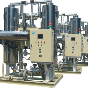 Desiccant compressed air dryer heated blower