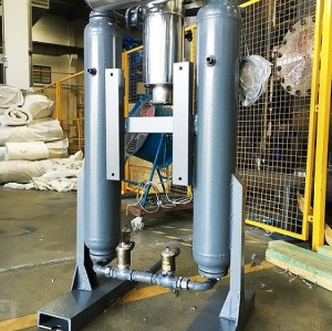 Desiccant air dryer  with 1.0 Mpa of air inlet pressure