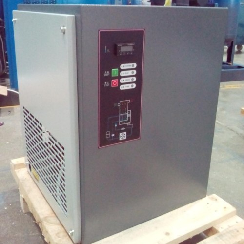 Air-cooled refrigerated warm air dryer