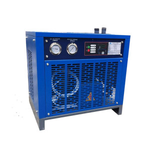 Refrigeration Compressed Air Dryer with <45 C compressed air inlet temperature