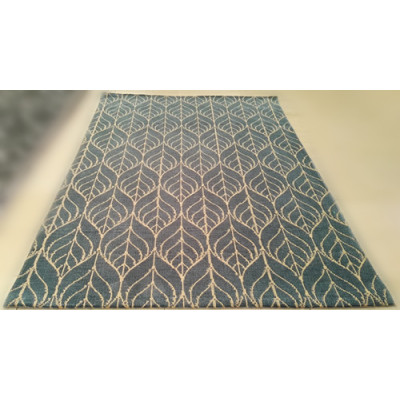 Beautiful Design Machine Made Carpet