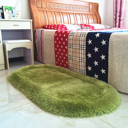 Thick tufted polyester stretch yarn and silk bed side rugs