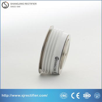 Low switch loss high frequency thyristor