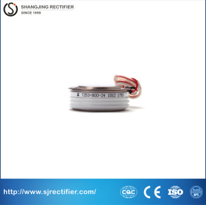 Battery charges silicon controlled rectifier T253-800-24