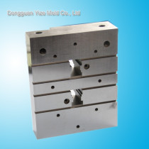 Professional Mitsubishi spare part factory/insert moulding plastic components supplier