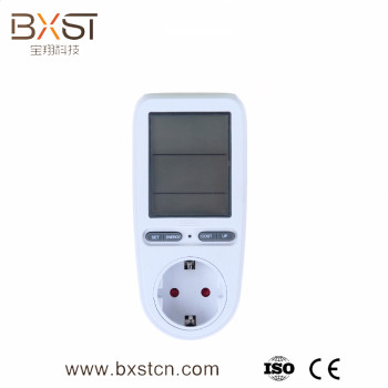 High quality cheap energy monitoring with LCD digital display socket