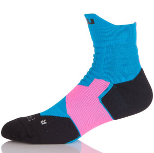 OEM Top Fashion Man  Wholesale Anti Slip Crew Basketball Socks