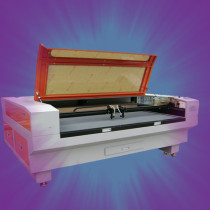 New laser cutting machine for wood look rubber flooring