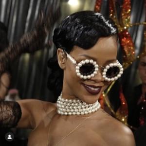 Luxury Party Fashion Vintage Retro Round Metal Frame Trendy Diamond Women Shades Sunglasses