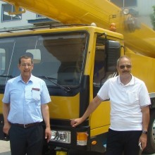 Customers from Algeria visit truck crane factory