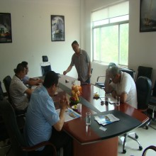 Meet Algerian clients in truck crane factory