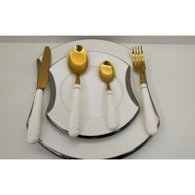 Porcelain cutlery set