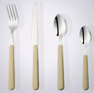 nice design plastic handle cutlery