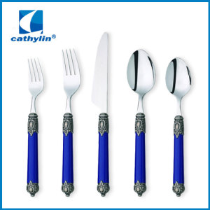 modern plastic cutlery set