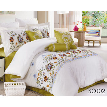 6pcs,9pcs,12pcs poly/cotton T/C embroidery lace comforter sets quilt sets duvet cushion