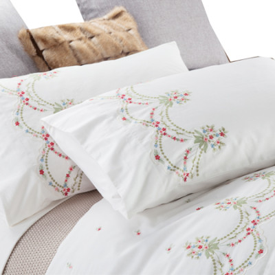 2017 new luxury embroidery bedding set include duvet cover and pillow case