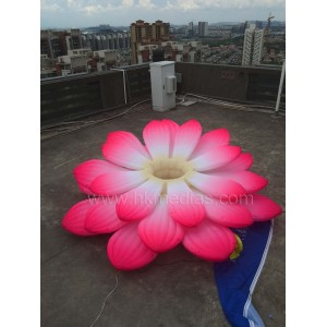 Inflatable lotus
