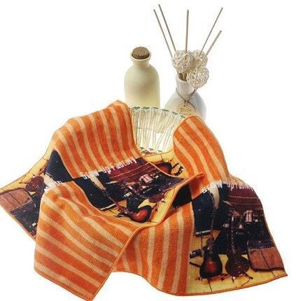 http://www.towelkingdom.com/pid18085114/custom-printed-cotton-hand-baby-towel-wholesale.htm