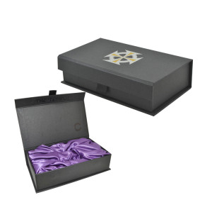 Packaging box foam with satin cover/magnetic box with satin foam