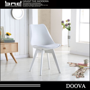 Factory price best sale Colorful modren plastic chair with solid wood leg