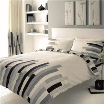Double Blocks White & Black Duvet Cover Modern Design 4Pcs Polycotton Complete Bedding Set (1 x Duvet Cover, 1 x Fitted Sheet And 2 x Pillow Case) by Quality Linen and Towels
