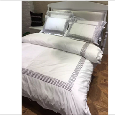4pcs 100% Cotton sateen fabric luxury hotel bedding set white matched with silver grey fabric doona covers