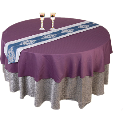 Hot cutting and hemmed edge table cloth