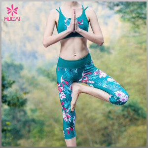 WHOLESALE CUSTOM POLYESTER SPANDEX CAPRI PRINTED YOGA PANTS FOR WOMEN