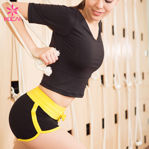 Wholesale Crop Top And Gym Short Fitness Clothing Slim Fit Women Yoga Set