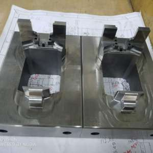 1.2343 Steel Precision Plastic Injection Mold Plates by Technical Polished