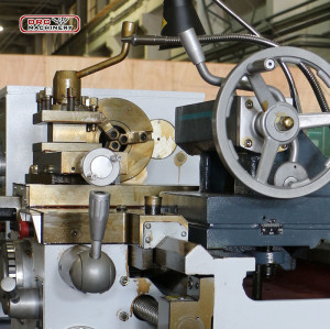 Light Conventional Metal Lathe