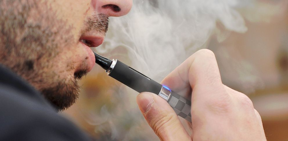ثلاثة اعتبارات لاختيار السجائر الإلكترونية