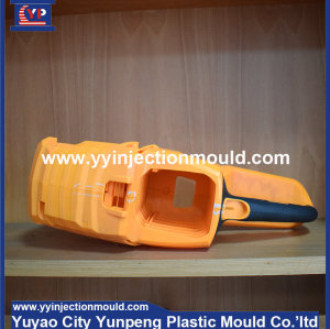 manufacturer making plastic molds for industrial parts