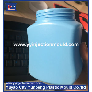 good quality and low price plastic injection bottle cap and plastic blowing bottale body made in china  (From Cherry)