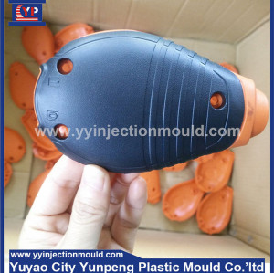 Computer mouse cover injection mold with rubber in China